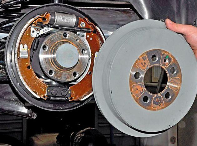 Фольксваген поло замена задних тормозных колодок клин механизма регулировки зазоров