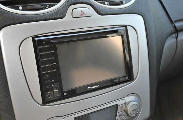 Форд фокус 2 замена штатной магнитолы провод микрофона для установки