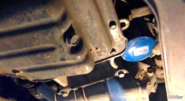Как поменять масло в двигателе в хендай солярис смазываем им уплотнительную резинку