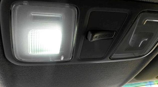 Как в киа рио поменять лампочку в салоне только AUTO