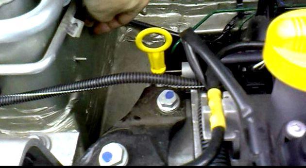Рено сандеро замена топливного фильтра своими руками Сделав все это