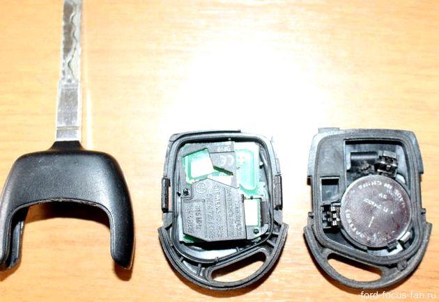 Замена батарейки в выкидном ключе форд фокус 2 Вас получится, как получилось