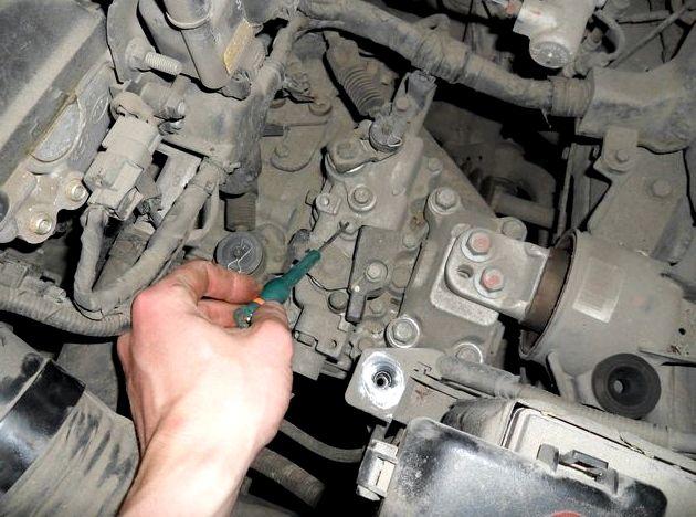 Замена масла в двигателе киа рио 3 видео Выбираем масляной