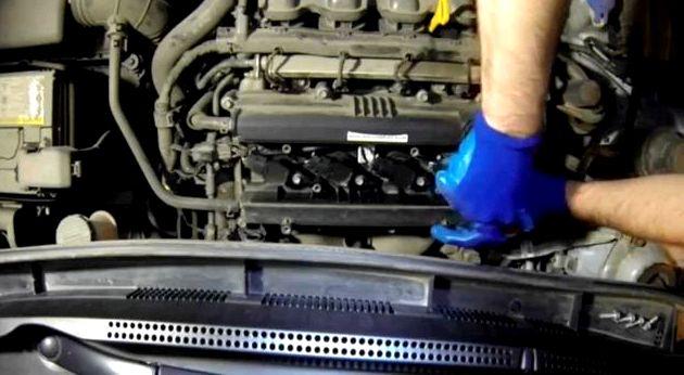 Замена свечей зажигания хендай солярис видео Завод-производитель предлагает проводить замену