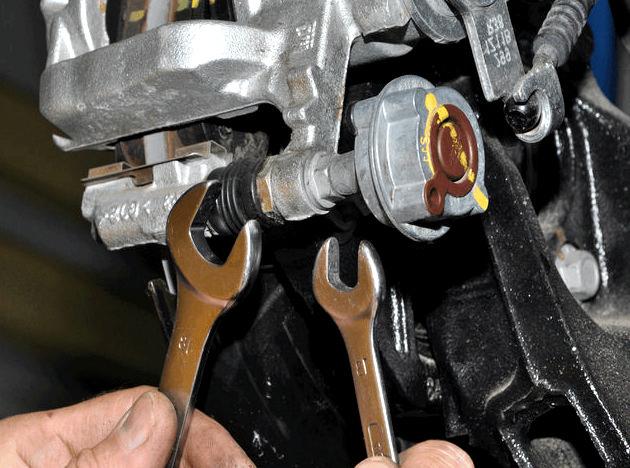 Замена тормозных колодок задних шевроле круз колодки для замены, чтобы они